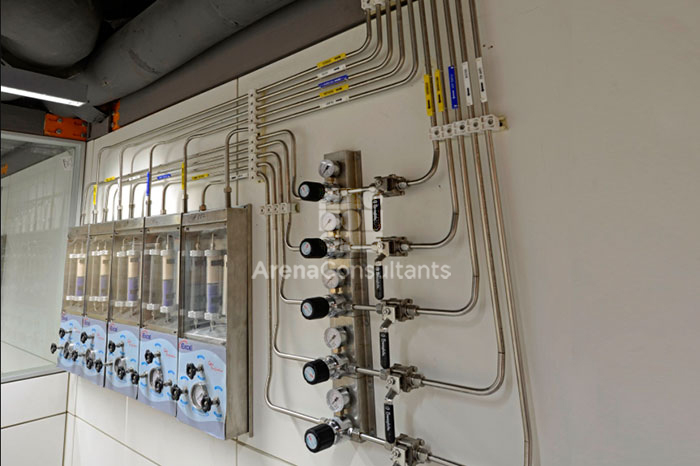 Piping on partition and gas control panel layout design